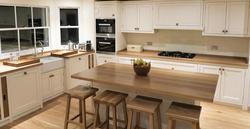 Worktops & Kitchen Fitting